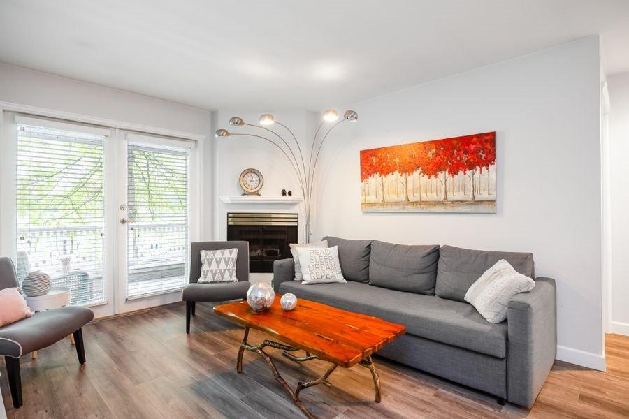 Photo 4: Photos: 1555 BOWSER Avenue in North Vancouver: Norgate Condo for sale : MLS®# R2370578