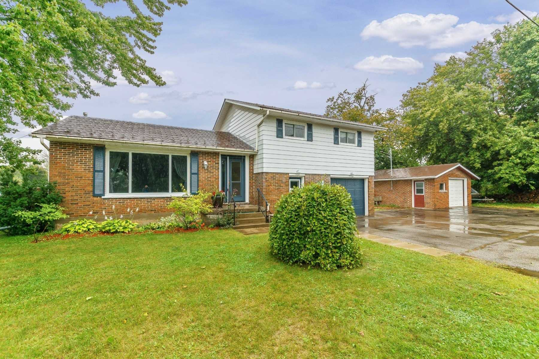 Main Photo: 190 N Church Street in Clarington: Orono House (Sidesplit 4) for sale : MLS®# E4463047