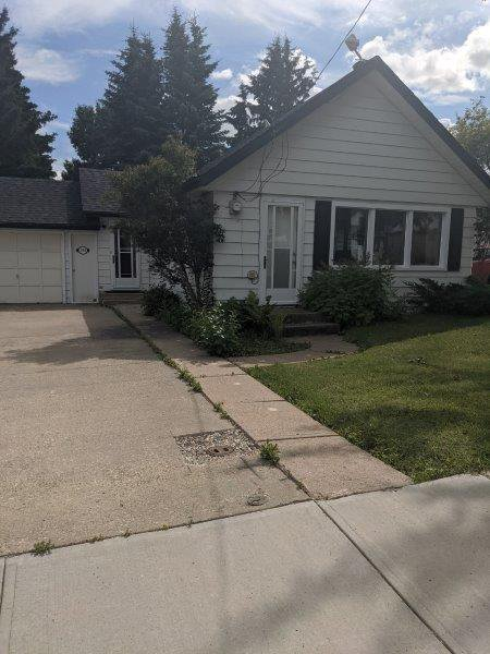 Main Photo: 5105 50 Ave in Legal: House for rent