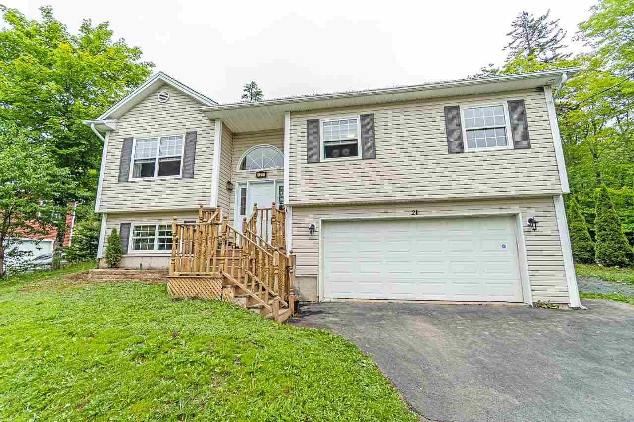 Main Photo: 21 Gilbert Street in Beaver Bank: 26-Beaverbank, Upper Sackville Residential for sale (Halifax-Dartmouth)  : MLS®# 202014196