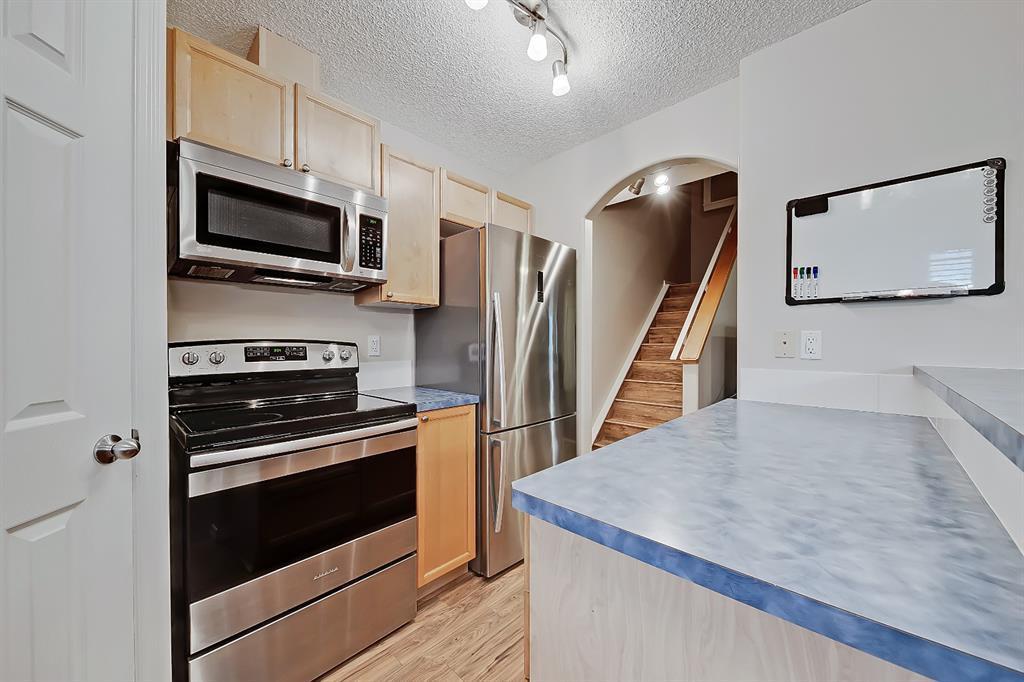 Photo 11: Photos: 73 Citadel Estates Manor NW in Calgary: Citadel Row/Townhouse for sale : MLS®# A1047176