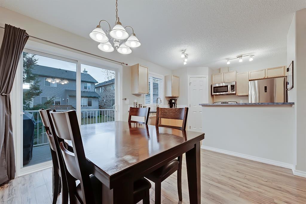 Photo 12: Photos: 73 Citadel Estates Manor NW in Calgary: Citadel Row/Townhouse for sale : MLS®# A1047176