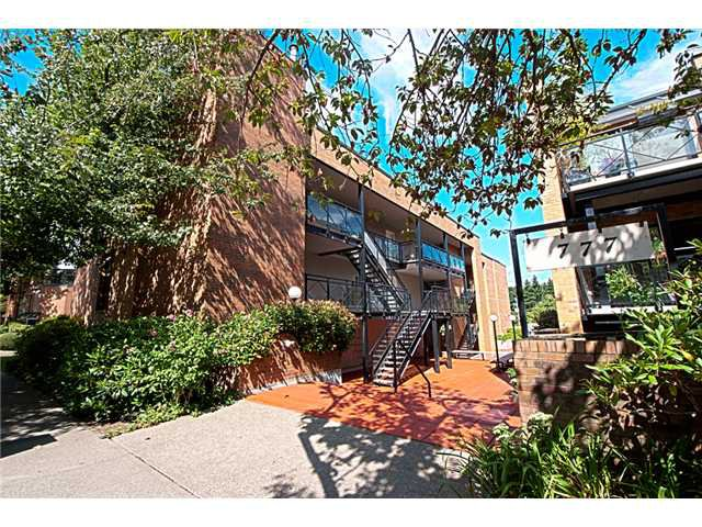"""Main Photo: 302 777 W 7TH Avenue in Vancouver: Fairview VW Condo for sale in """"777"""" (Vancouver West)  : MLS®# V907494"""