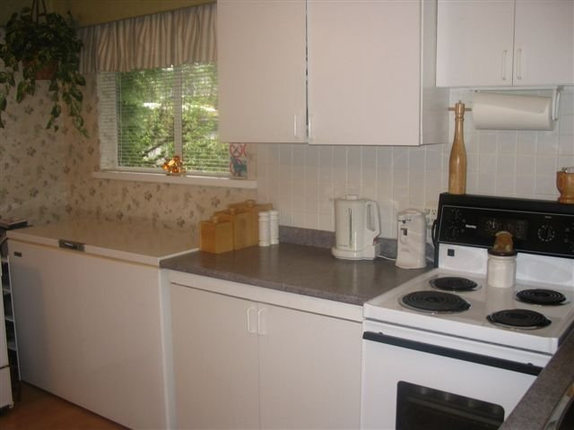 Photo 11: Photos: 13314 96 Ave. in Surrey: Queen Mary Park Surrey House for sale : MLS®# F2609411