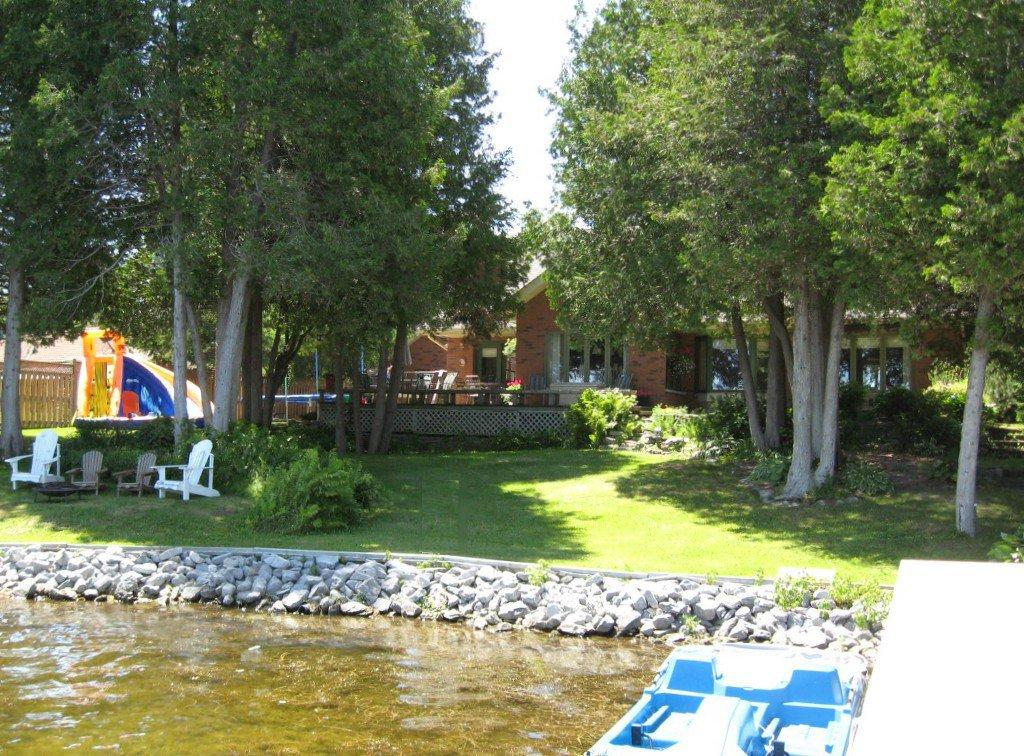 Photo 8: Photos: 100 Pinewood Boulevard in Kawartha Lakes: Freehold for sale