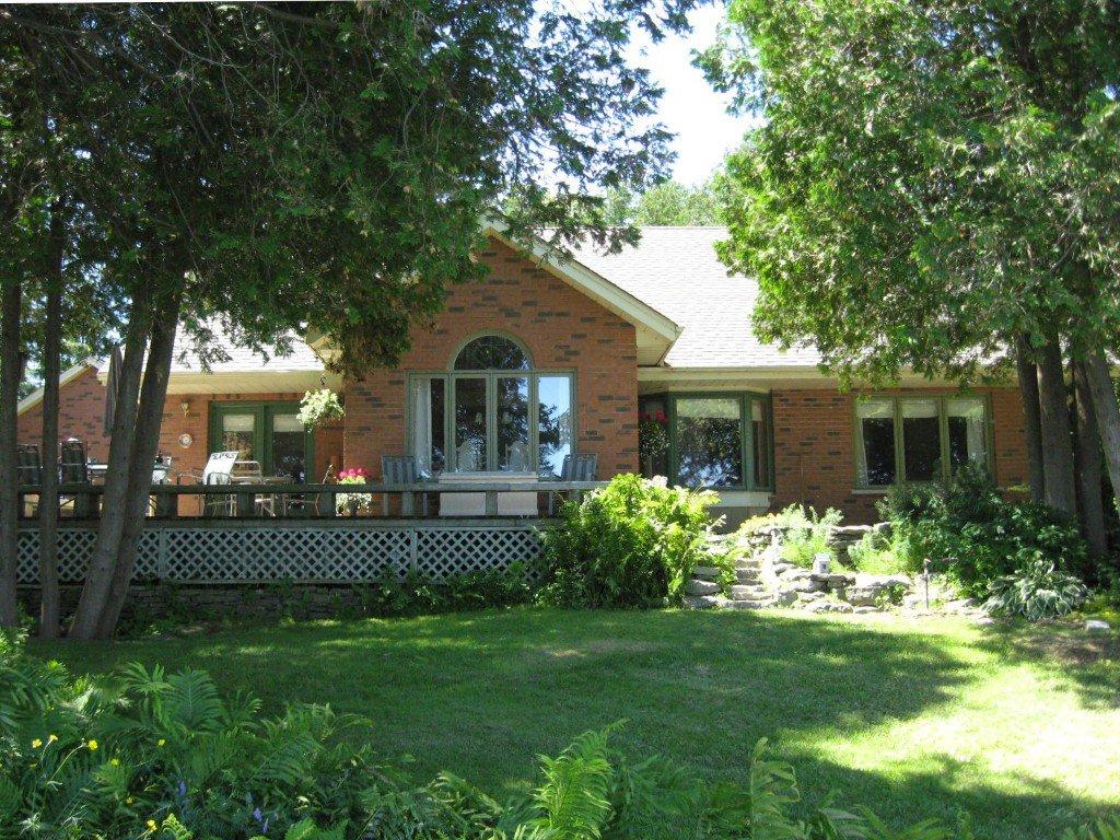 Photo 2: Photos: 100 Pinewood Boulevard in Kawartha Lakes: Freehold for sale