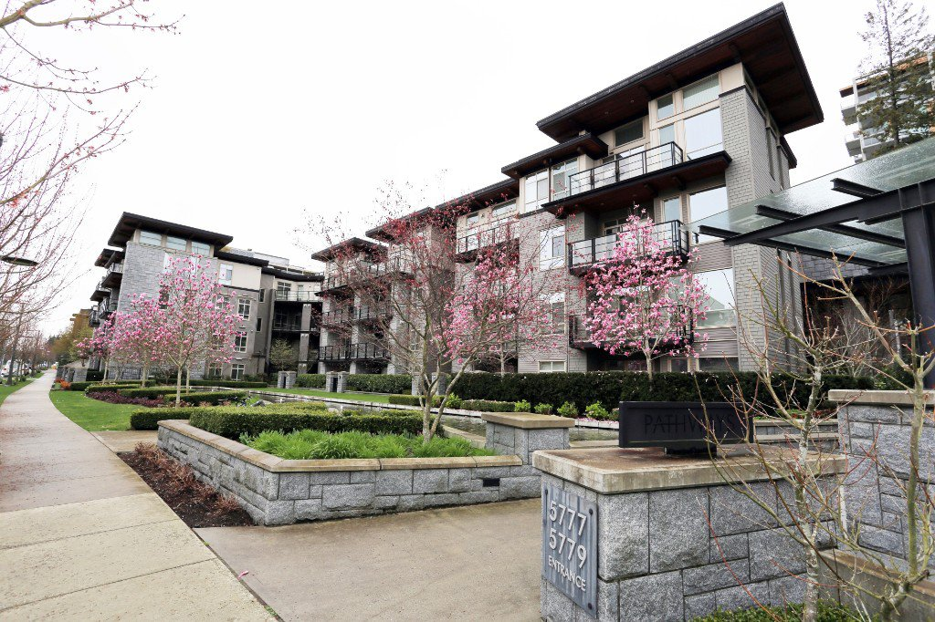 "Main Photo: 410 5777 BIRNEY Avenue in Vancouver: University VW Condo for sale in ""PATHWAYS"" (Vancouver West)  : MLS®# V1110946"