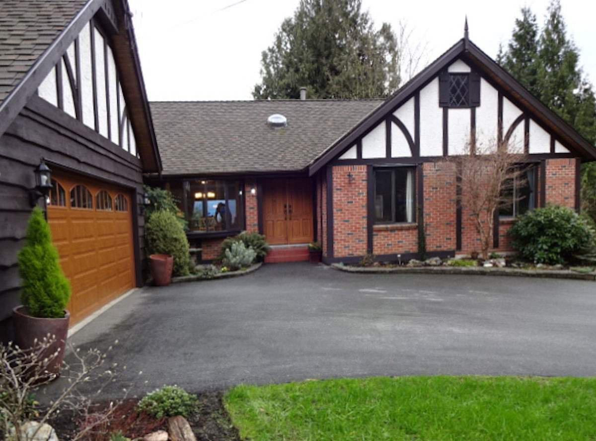 "Main Photo: 36178 DAWN Crescent in Abbotsford: Abbotsford East House for sale in ""Sunrise Park"" : MLS®# R2035591"