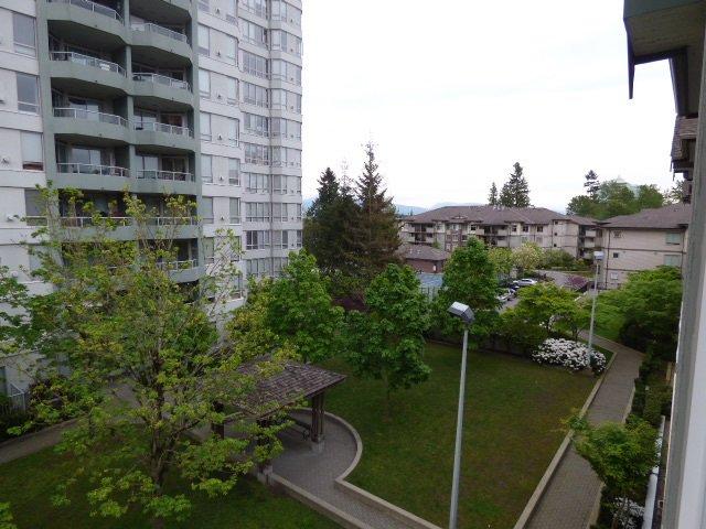Main Photo: 411 14859 100 Avenue in Surrey: Guildford Condo for sale (North Surrey)  : MLS®# R2065811