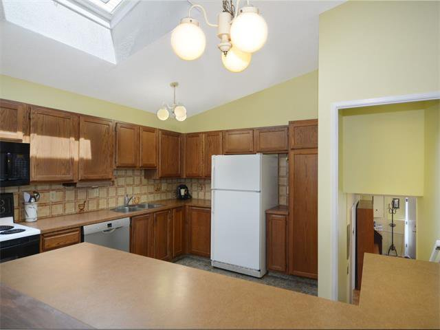 Photo 15: Photos: 1412 47 Street SW in Calgary: Westgate House for sale : MLS®# C4063121
