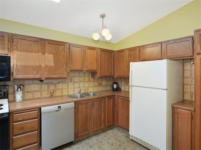 Photo 16: Photos: 1412 47 Street SW in Calgary: Westgate House for sale : MLS®# C4063121