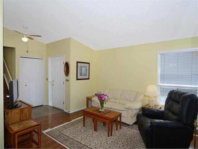 Photo 7: Photos: 1412 47 Street SW in Calgary: Westgate House for sale : MLS®# C4063121