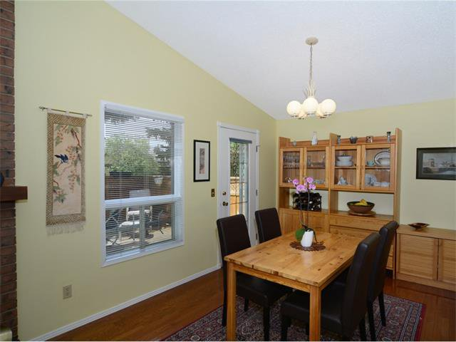 Photo 8: Photos: 1412 47 Street SW in Calgary: Westgate House for sale : MLS®# C4063121