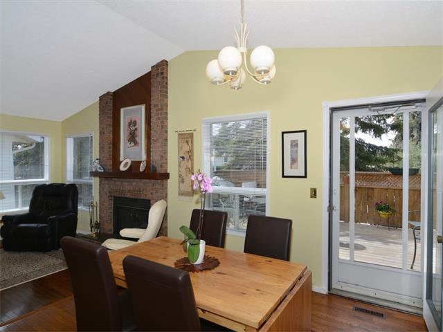 Photo 9: Photos: 1412 47 Street SW in Calgary: Westgate House for sale : MLS®# C4063121