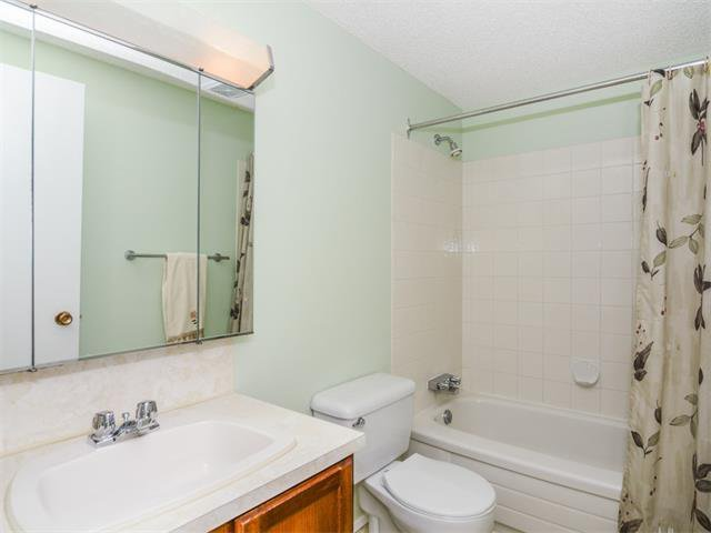 Photo 32: Photos: 1412 47 Street SW in Calgary: Westgate House for sale : MLS®# C4063121