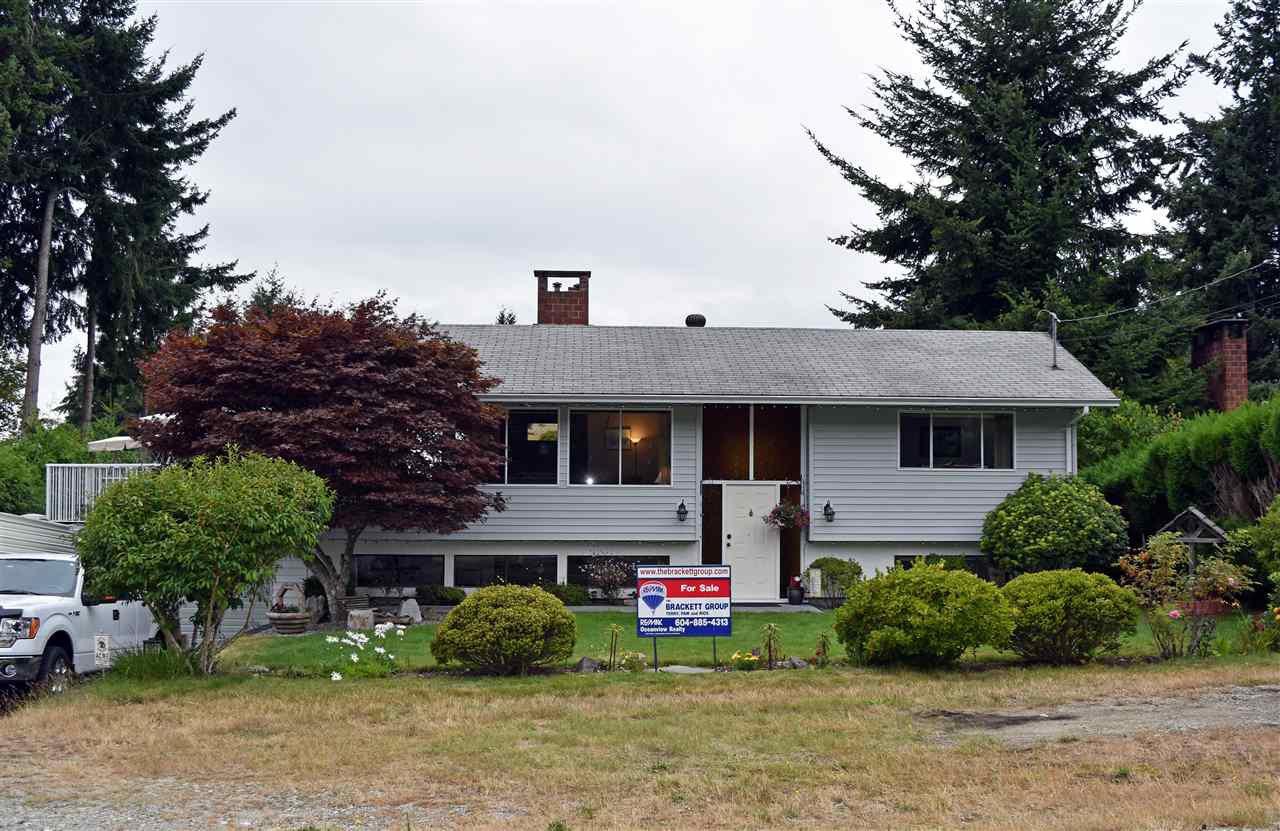 Main Photo: 5203 RADCLIFFE Road in Sechelt: Sechelt District House for sale (Sunshine Coast)  : MLS®# R2097487