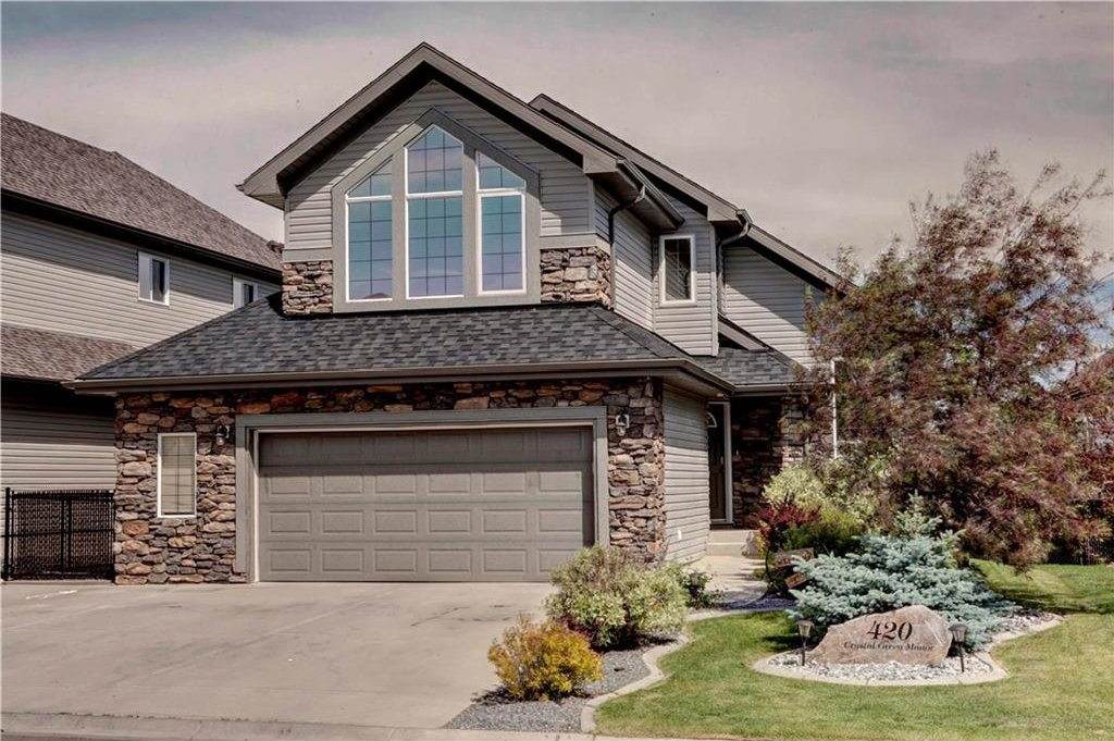 Main Photo: 420 CRYSTAL GREEN Manor: Okotoks House for sale : MLS®# C4124322