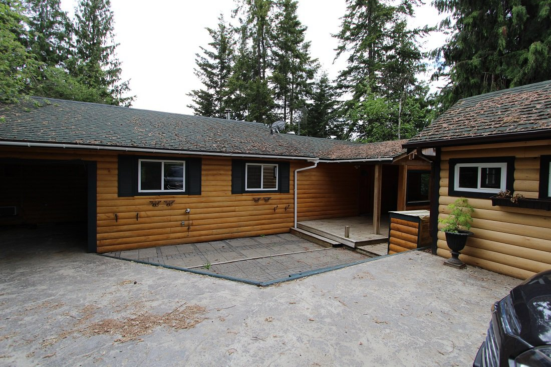 Main Photo: 5291 Meadow Creek Crescent in Celista: North Shuswa House for sale (Shuswap)  : MLS®# 10155135