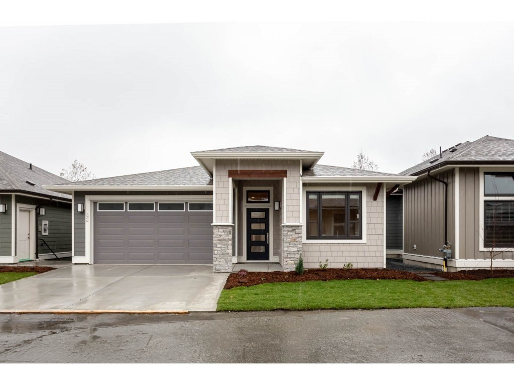 """Main Photo: 42 46110 THOMAS Road in Chilliwack: Vedder S Watson-Promontory House for sale in """"THOMAS CROSSING"""" (Sardis)  : MLS®# R2334699"""