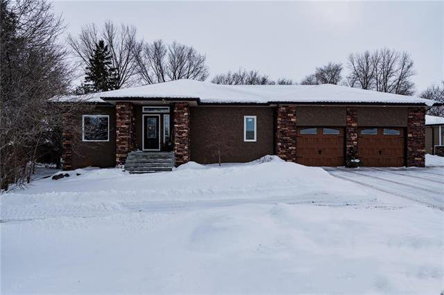 Main Photo: 418 Dumaine Road in Ile Des Chenes: R07 Residential for sale : MLS®# 1903090