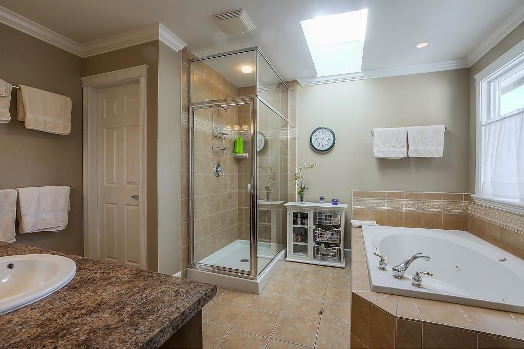 Photo 12: Photos: 5 EAGLE Drive in Port Moody: Heritage Mountain House for sale : MLS®# R2341923