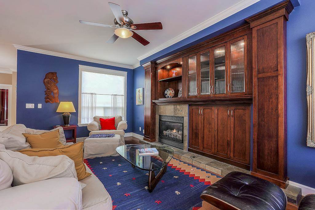 Photo 3: Photos: 5 EAGLE Drive in Port Moody: Heritage Mountain House for sale : MLS®# R2341923