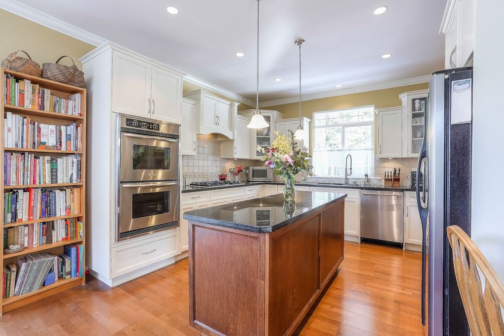 Photo 4: Photos: 5 EAGLE Drive in Port Moody: Heritage Mountain House for sale : MLS®# R2341923