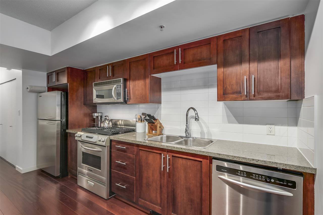 """Main Photo: 115 672 W 6TH Avenue in Vancouver: Fairview VW Condo for sale in """"BOHEMIA"""" (Vancouver West)  : MLS®# R2380733"""