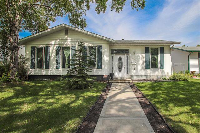 Main Photo: 11 Roselawn Bay in Winnipeg: North Kildonan Residential for sale (3F)  : MLS®# 1922070