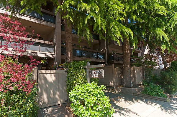 """Main Photo: 206 1425 CYPRESS Street in Vancouver: Kitsilano Condo for sale in """"CYPRESS WEST"""" (Vancouver West)  : MLS®# V902622"""