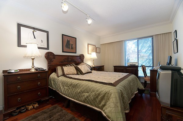 """Photo 20: Photos: 206 1425 CYPRESS Street in Vancouver: Kitsilano Condo for sale in """"CYPRESS WEST"""" (Vancouver West)  : MLS®# V902622"""