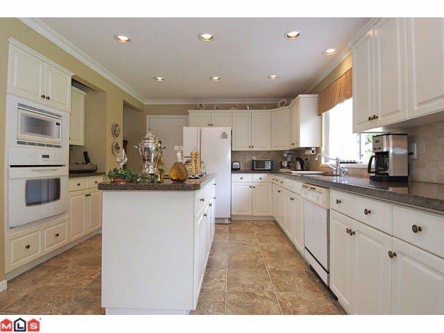 "Photo 4: Photos: 12411 57B Avenue in Surrey: Panorama Ridge House for sale in ""PANORAMA RIDGE"" : MLS®# F1119969"