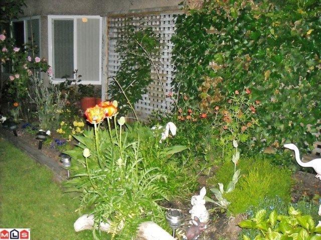 "Photo 6: Photos: 113 9632 120A Street in Surrey: Cedar Hills Condo for sale in ""Chandlers Hill"" (North Surrey)  : MLS®# F1123473"