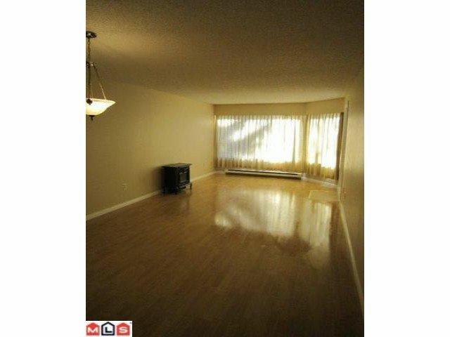"Photo 2: Photos: 113 9632 120A Street in Surrey: Cedar Hills Condo for sale in ""Chandlers Hill"" (North Surrey)  : MLS®# F1123473"