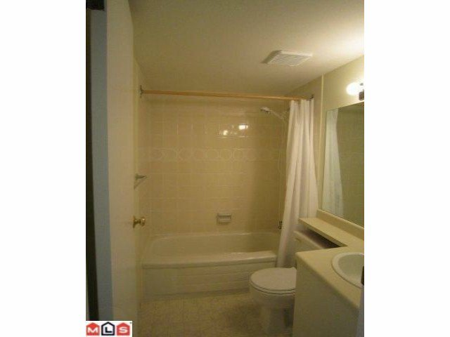 "Photo 5: Photos: 113 9632 120A Street in Surrey: Cedar Hills Condo for sale in ""Chandlers Hill"" (North Surrey)  : MLS®# F1123473"