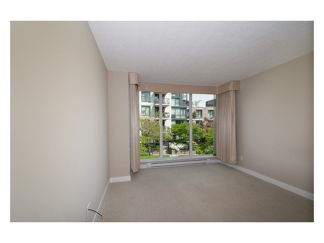 """Photo 12: Photos: 1437 W 7TH Avenue in Vancouver: Fairview VW Townhouse for sale in """"Portico"""" (Vancouver West)  : MLS®# V1064746"""