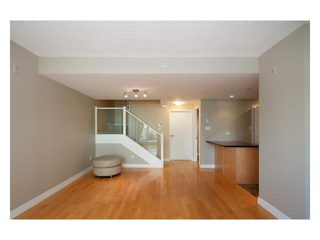 """Photo 6: Photos: 1437 W 7TH Avenue in Vancouver: Fairview VW Townhouse for sale in """"Portico"""" (Vancouver West)  : MLS®# V1064746"""