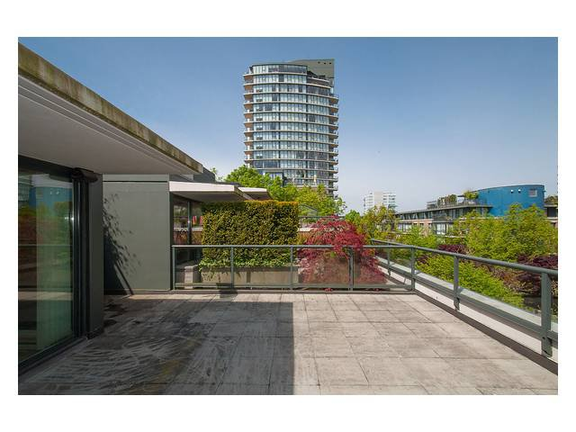 """Photo 14: Photos: 1437 W 7TH Avenue in Vancouver: Fairview VW Townhouse for sale in """"Portico"""" (Vancouver West)  : MLS®# V1064746"""