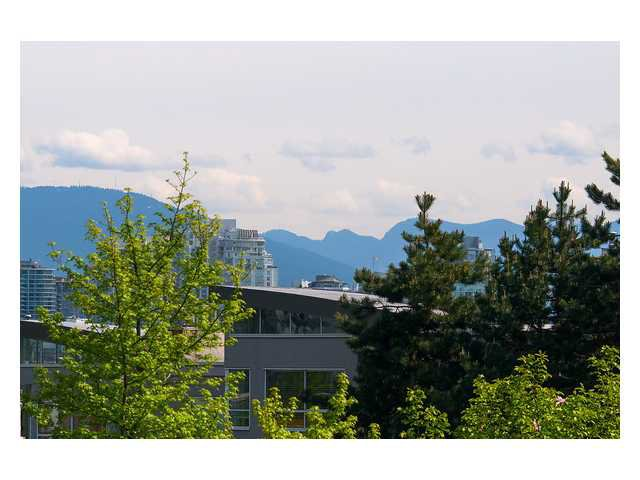 """Photo 16: Photos: 1437 W 7TH Avenue in Vancouver: Fairview VW Townhouse for sale in """"Portico"""" (Vancouver West)  : MLS®# V1064746"""