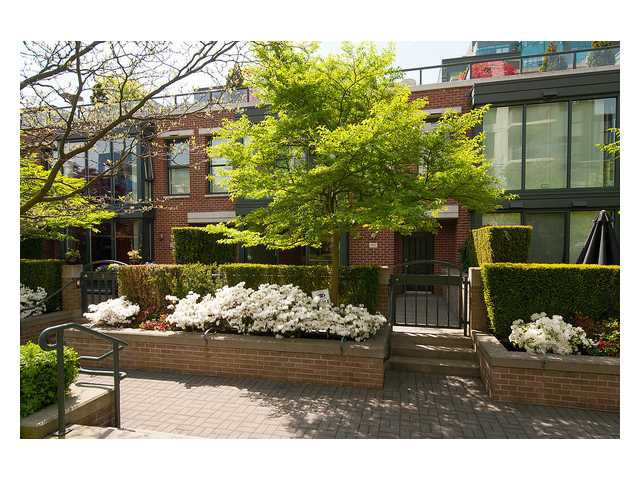 "Main Photo: 1437 W 7TH Avenue in Vancouver: Fairview VW Townhouse for sale in ""Portico"" (Vancouver West)  : MLS®# V1064746"
