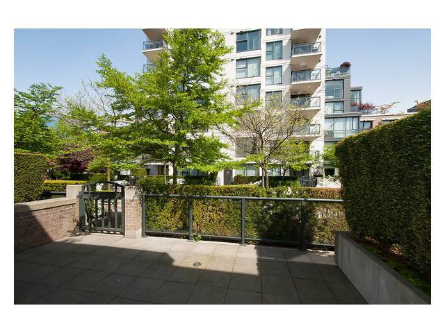 """Photo 4: Photos: 1437 W 7TH Avenue in Vancouver: Fairview VW Townhouse for sale in """"Portico"""" (Vancouver West)  : MLS®# V1064746"""