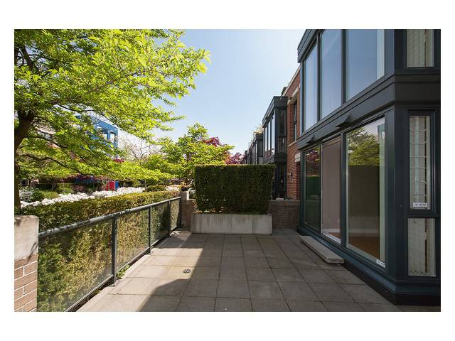 """Photo 5: Photos: 1437 W 7TH Avenue in Vancouver: Fairview VW Townhouse for sale in """"Portico"""" (Vancouver West)  : MLS®# V1064746"""