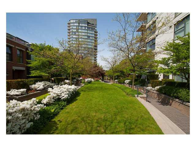 """Photo 19: Photos: 1437 W 7TH Avenue in Vancouver: Fairview VW Townhouse for sale in """"Portico"""" (Vancouver West)  : MLS®# V1064746"""