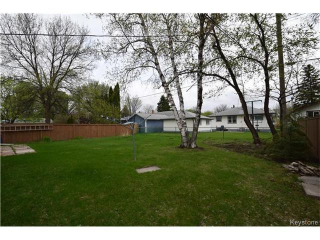 Photo 16: Photos: 1127 Rothesay Street in WINNIPEG: North Kildonan Residential for sale (North East Winnipeg)  : MLS®# 1512916
