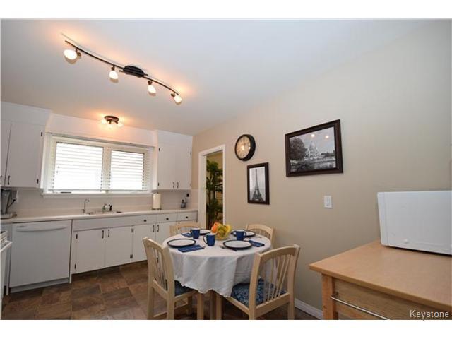 Photo 5: Photos: 1127 Rothesay Street in WINNIPEG: North Kildonan Residential for sale (North East Winnipeg)  : MLS®# 1512916