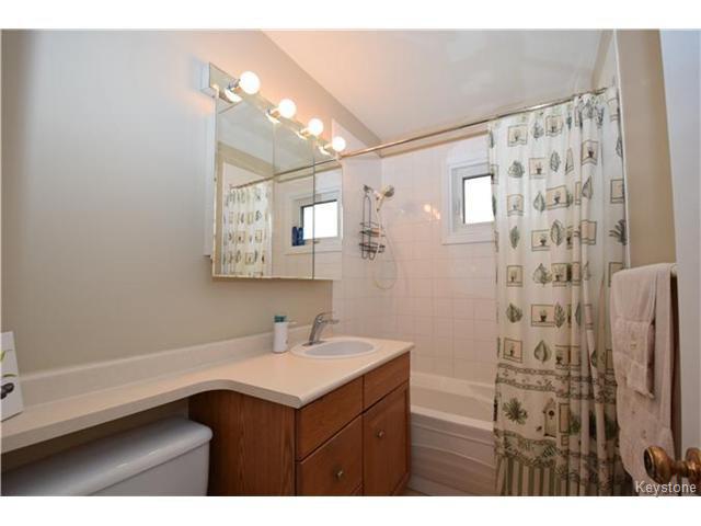 Photo 14: Photos: 1127 Rothesay Street in WINNIPEG: North Kildonan Residential for sale (North East Winnipeg)  : MLS®# 1512916