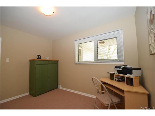 Photo 10: Photos: 1127 Rothesay Street in WINNIPEG: North Kildonan Residential for sale (North East Winnipeg)  : MLS®# 1512916