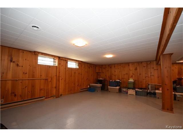 Photo 11: Photos: 1127 Rothesay Street in WINNIPEG: North Kildonan Residential for sale (North East Winnipeg)  : MLS®# 1512916