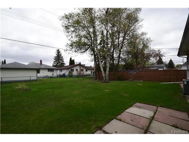 Photo 17: Photos: 1127 Rothesay Street in WINNIPEG: North Kildonan Residential for sale (North East Winnipeg)  : MLS®# 1512916