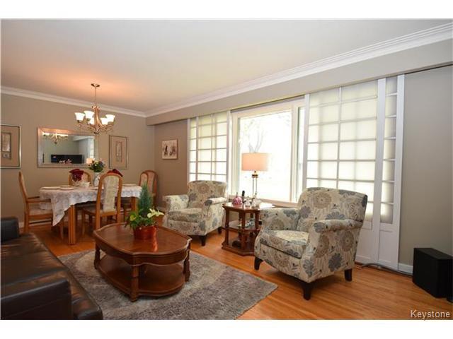 Photo 2: Photos: 1127 Rothesay Street in WINNIPEG: North Kildonan Residential for sale (North East Winnipeg)  : MLS®# 1512916